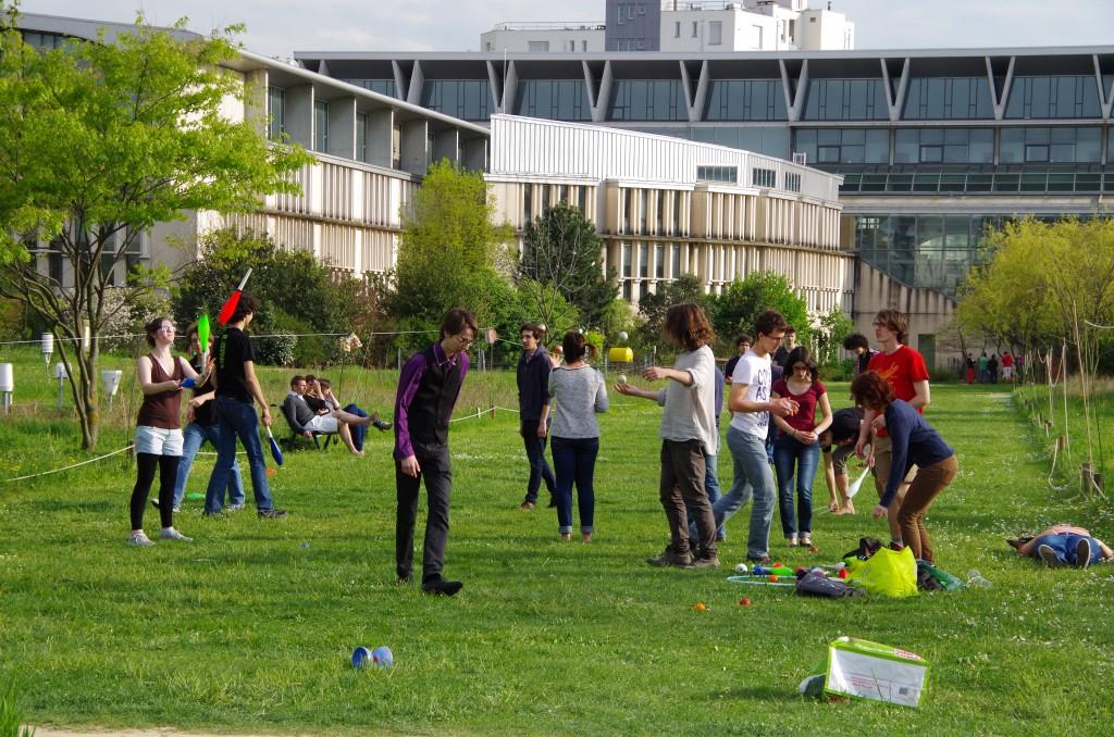 Le club jonglage pendant la Garden'